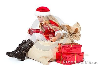 Misser santa die van de inhoud van haar gift wordt verbaasd