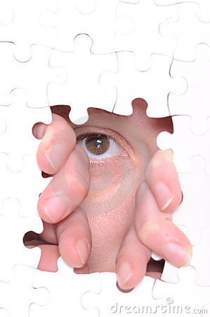 Free Missing Piece Of The Puzzle Royalty Free Stock Photography - 13139117