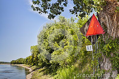 Missouri River navigational sign