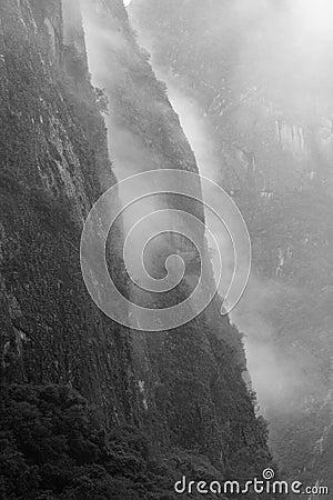 Free Misty Mountains Royalty Free Stock Photo - 12779525