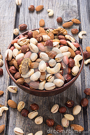 Free Mix Of Nuts Royalty Free Stock Photography - 99163777