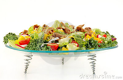 Mixed green salad with beef meat