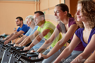 Mixed group in spinning class
