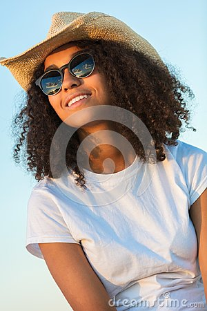 Free Mixed Race African American Woman Sunglasses Cowboy Hat Sunset Royalty Free Stock Image - 103333106