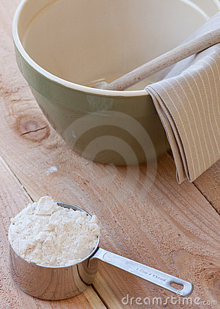 Mixing bowl and measuring cup