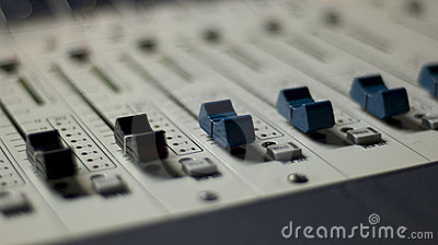Mixing Console 5