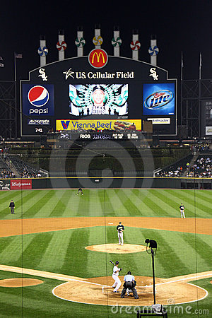 MLB - Night baseball in Chicago Editorial Stock Photo