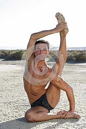 Männliche Yoga-Haltung
