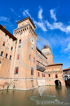 Free Moat And The Castle Estense In Ferrara Royalty Free Stock Photo - 28724285