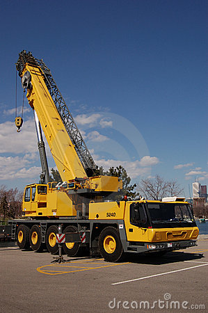 Free Mobile Crane Stock Images - 2359064