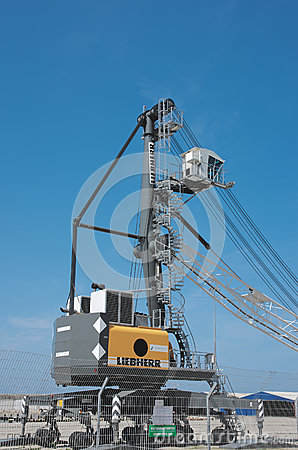 Free Mobile Harbor Crane Liebherr LHM 180 Royalty Free Stock Photography - 58302717