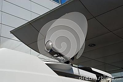 Mobile satellite dish