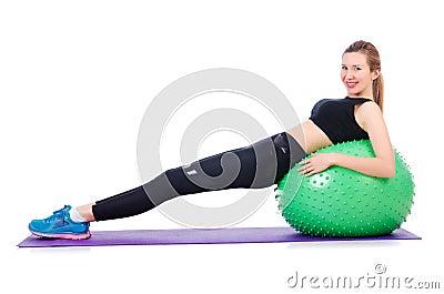 Młoda kobieta z piłką
