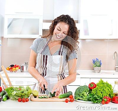 Młodej Kobiety Kucharstwo