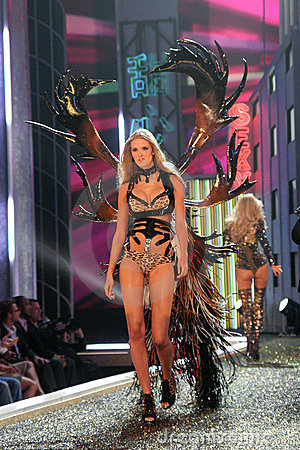 Model at the 12th Annual Victorias Secret Fashion Show. Kodak Theatre, Hollywood, CA. 11-15-07 Editorial Stock Photo