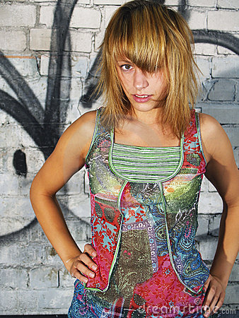 Free Model And Graffiti Wall Royalty Free Stock Photos - 3133058