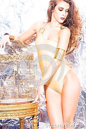 Model baddräkten