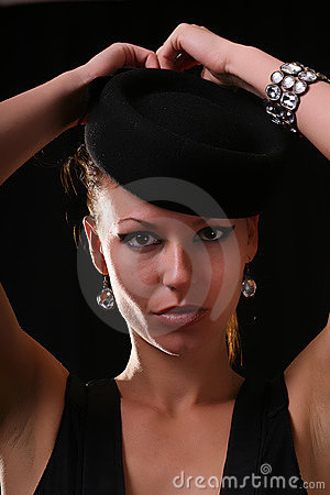 Model with diamond bracelet
