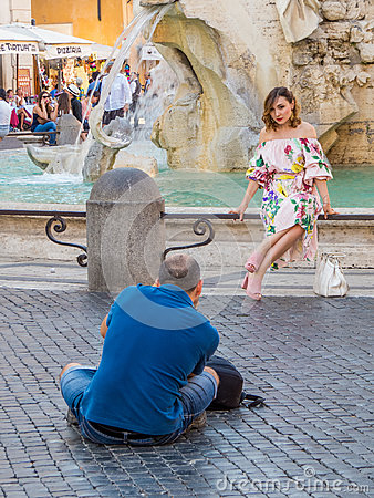 Free Model Posing For Photographer In Rome Stock Photos - 99254133
