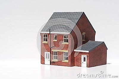 Model van losgemaakt huis op witte achtergrond royalty vrije stock foto 39 s afbeelding 32086848 - Model van huisarchitectuur ...