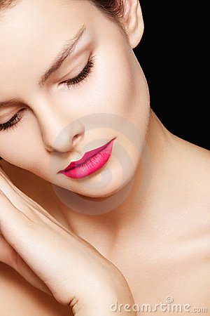 Free Model With Fashion Pink Lips Make-up, Clean Skin Royalty Free Stock Image - 18018296
