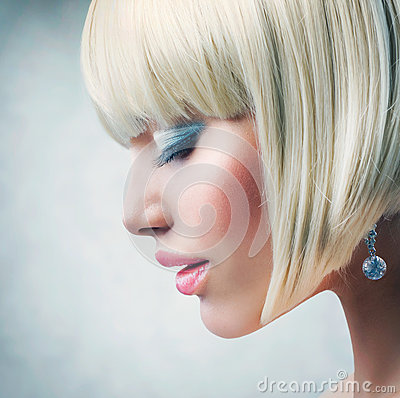 Free Model With Short Blond Hair Royalty Free Stock Photos - 25269158