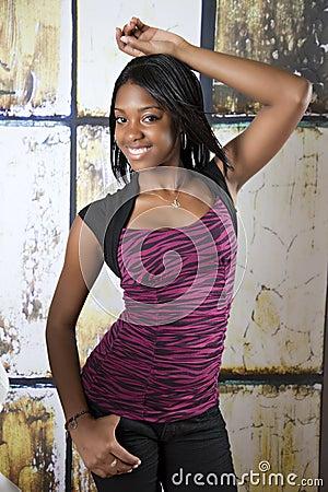 Modello teenager dell afroamericano
