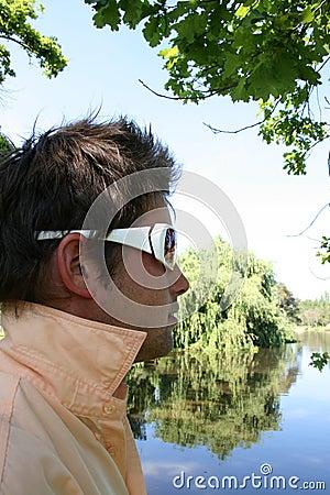 Modelo na máscara