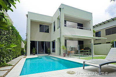 Moder house with swimming pool