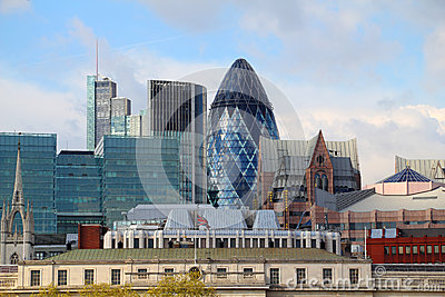The modern 30 St Mary Axe