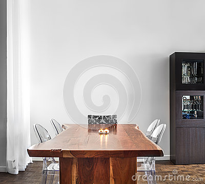 Free Modern And Contemporary Dining Room Table And Decorations. Royalty Free Stock Photos - 38588828