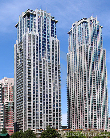 Free Modern Apartment Building Twin Towers Stock Photos - 5208423