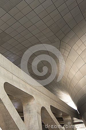 Free Modern Architecture Curves And Concrete Stock Photo - 48021730
