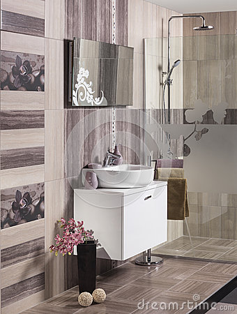 Free Modern Bathroom With Sink Royalty Free Stock Images - 36758599