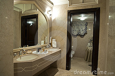 Modern biege bathroom