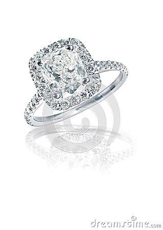 Free Modern Brilliant Cushion Cut Halo Style Diamond Ring Stock Photos - 37275873