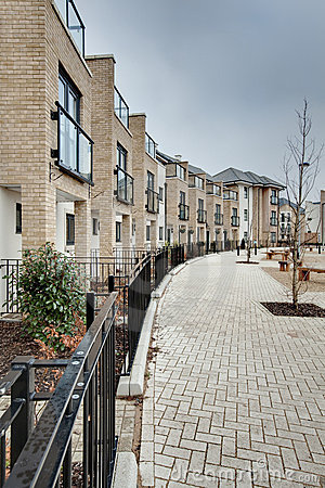 Free Modern Crescent Of Townhouses And Apartments Stock Images - 12887354