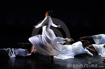 Modern Dance Performance 2