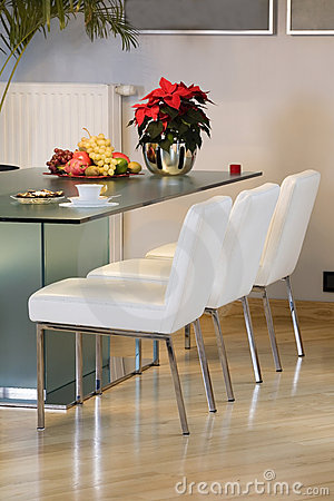 Free Modern Dining Room Royalty Free Stock Photo - 7913105