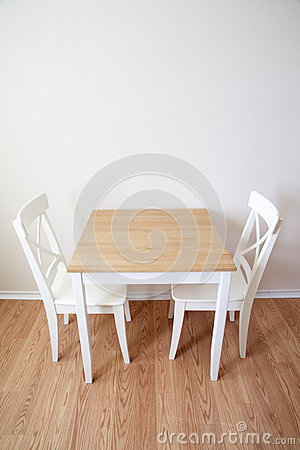 Free Modern Dinning Room Table And Chairs Royalty Free Stock Photography - 48009097