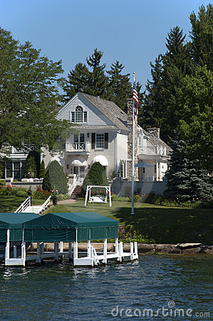 Modern Estate Lake Home Luxury Estate on Water