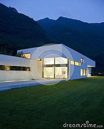Free Modern House Stock Image - 11704241