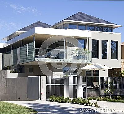 Modern huis royalty vrije stock afbeeldingen afbeelding 24674839 - Eigentijds huis grijs ...