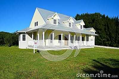 Modern huis in platteland stock foto afbeelding 22099290 - Foto modern huis ...