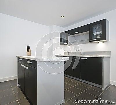 Modern keukeneiland stock afbeeldingen afbeelding 12719914 - In het midden eiland keuken ...