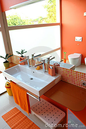 Modern kids bathroom