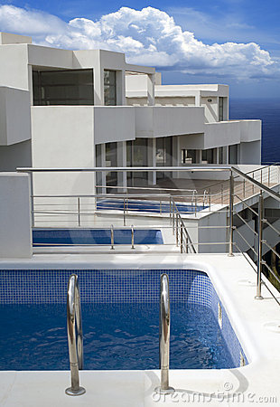 Modern living by the ocean