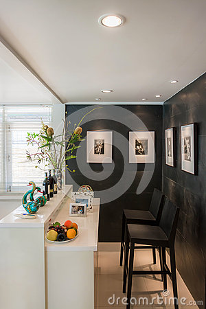 Free Modern Living Room With Bar Style Royalty Free Stock Image - 32536766