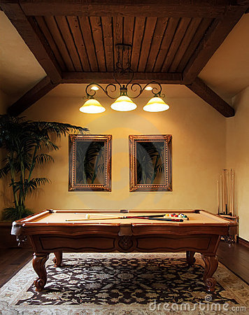 Free Modern Pool Game Room Royalty Free Stock Photo - 7490455