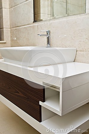 Free Modern White Bathroom Sink And Cabinet Royalty Free Stock Photos - 43703228